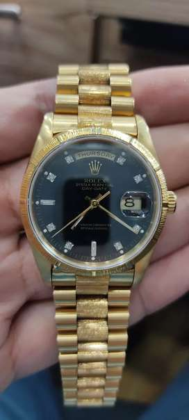 Watch Clinic luxury watches point selling and Co watches all over pak