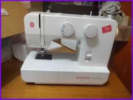 Singer sewing Machine Branded Sale