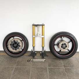 Suzuki GSX-R 600 GSXR 750 upside down fork & tires