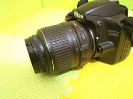 {~ Kamera NIKON D3200 Lensa AF-S18-55 mm