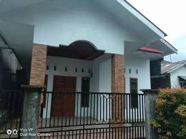 Disewakan Rumah Cantik Di Jl. Surau Gadang
