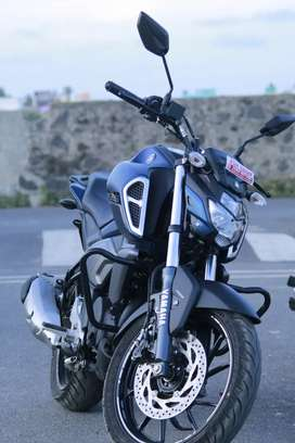 New yamaha fzsv3 mat blue color.. New bike 5months old