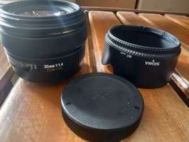 Sigma for Canon 30mm F1.4. wide bokeh mantap.