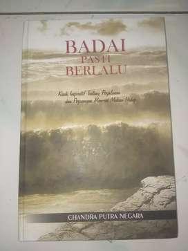 Dijual Buku Badai Pasti Berlalu, ada ttd Bapak Chandra putra negara