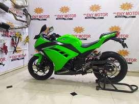 Ter booming ! Kawasaki Ninja 250 FI th 2017 km 6 rb hijau royo royo
