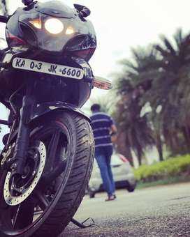 Bajaj pulsar 220f well maintained and in extremely good condition