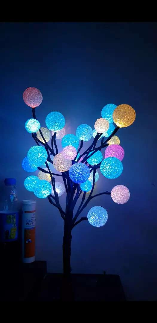 Colour changing Eva Ball tree 40 led light balls,total height 19 inch 0
