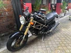 Ducati Monster 400 Penawaran bagus