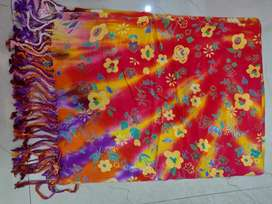 Womens winter shawl and stoels