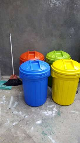 Tong sampah plastik bermerek | Bak sampah kuat