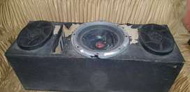Selling four channel amplifier of my car sound systm with woofer and