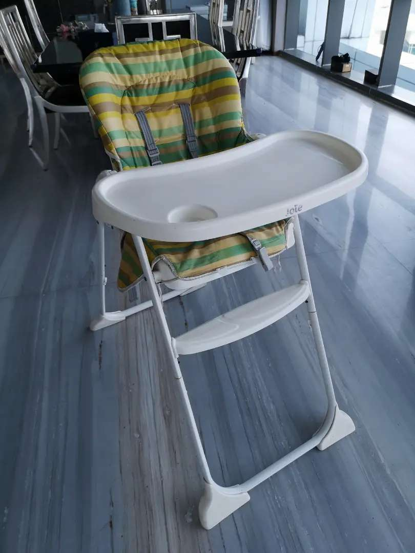 Joie baby chair 0