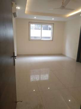 LUXIRIOUS 5 BHK FLAT IN  VIPUL WORLD.