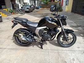 Black Fz2 version 2.0 2017 1 hand well maintained call me