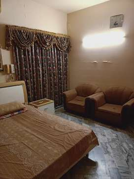 DHA FULLY FURNISHED ROOM WITH LOUNGE IN 500YRDS  BUNGALOW