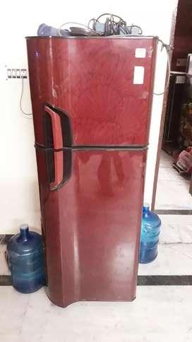 Well condition fridge