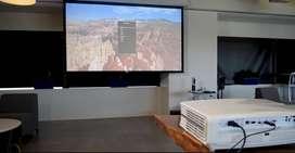 Sewa Giant Screen & Proyektor 5000 Ansi Lumens Siap Untuk Event Besar