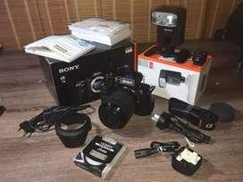 Sony A7ii kit lensa 28-70mm + sony flash HVL-FM32 mulus, lengkap.