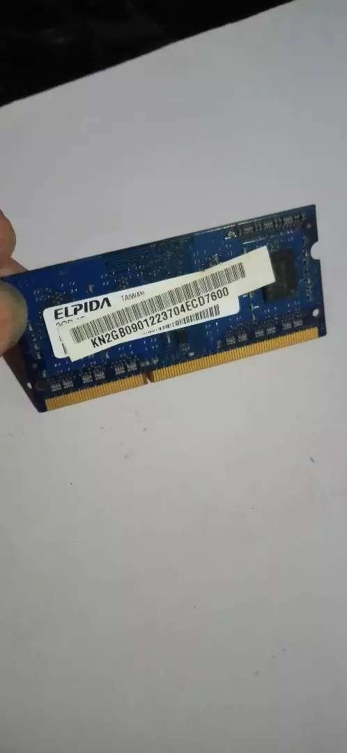 RAM 2 GB ddr3  merk ELPIDA.  For laptop/ notebook. 0