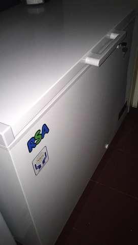 Friser lemari pendingin/lemari es.