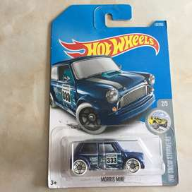 Hot wheels / hotwheels morris mini biru tua