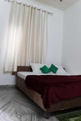 Fully furnished rooms near to Venice mall,wipro