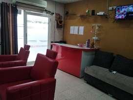 Runnig unisex salon Sec 47 Gurgaon