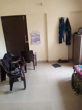 Vacancy in a 2 BHK Flat in Thane