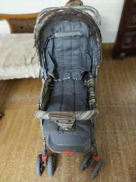 Nice n beautiful baby pram/stroller