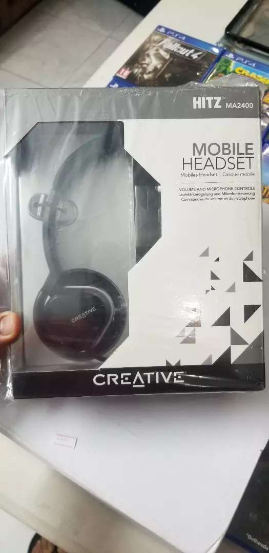 Creative MA2400 wired Gaming Headset for PS4 / Mobile Phone / PC