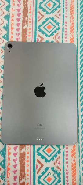 Apple Ipad Air 4 64gb wifi Brand New (3 months old)