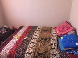 Queen Bed + spring bed