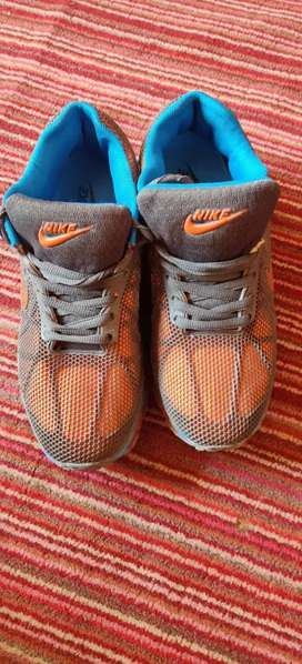 Nike shoes secand hand 8 number pirecs 3500