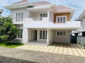 Edapally ponekkara 5cent 2000sqft 3bhk villa for sale