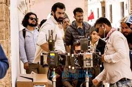NEED FRESHERS FOR ACTING WORK IN BOLLYWOOD MOVIES