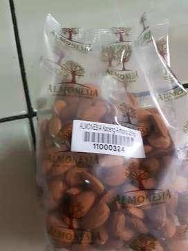 Kacang Almond @ 250 gram - baru