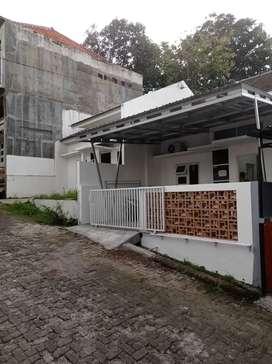 Rumah Borobudur Manyaran Semarang Barat