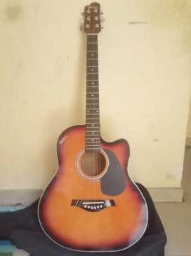 Guitar  hai  minimum 3000 hai price