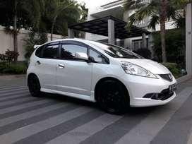 Dijual Mobil Honda Jazz Putih Matic 2011 Padang Sumatera Barat