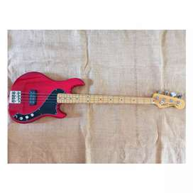 Squier Deluxe Dimension Bass IV mulus normal
