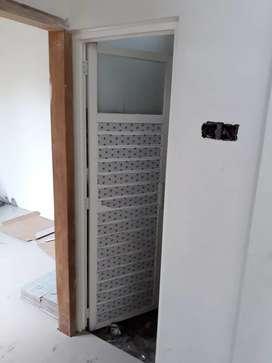 Pintu alumunium ķaca tebal bisa custom harga terpasang