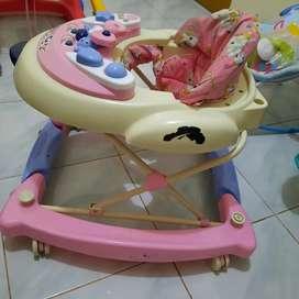 baby walker baby