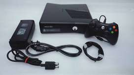 XBOX360 SLIM 160GB COMPLETE 20 GAME WITH ALL NEW ACCESSRIES WITH 1 MON