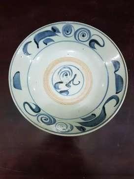Piring keramik eropa