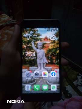 Look like new 3/32gb scratch less