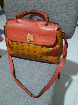 Mcm autentic sling