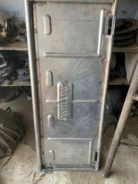 Rear door for willyz