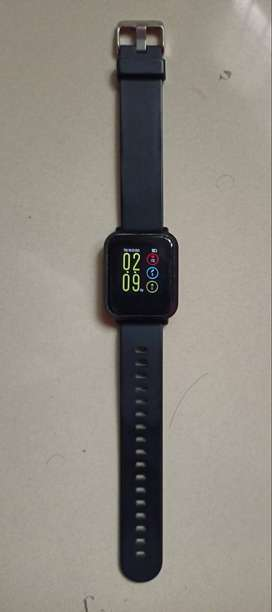 smart watch *noise colourfit pro*