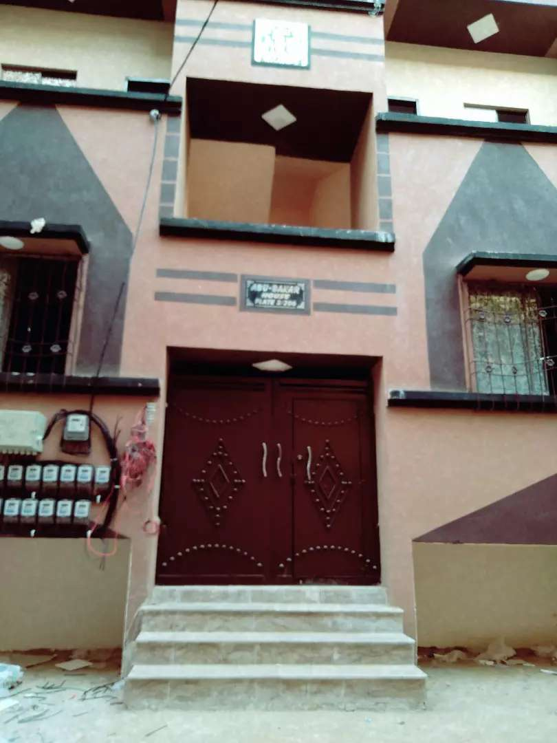 flat for sale in liaqatabad 0