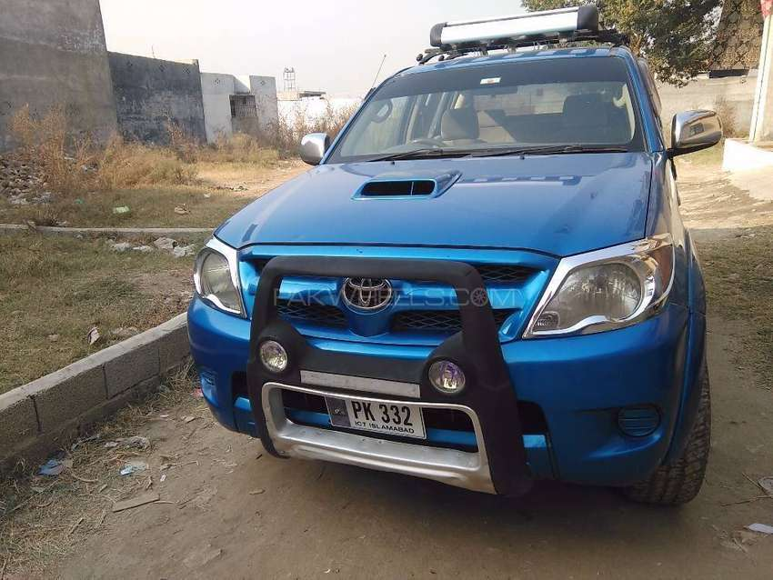 Toyota hilux G for sale imported in 2009,token paid upto june 2019. 0